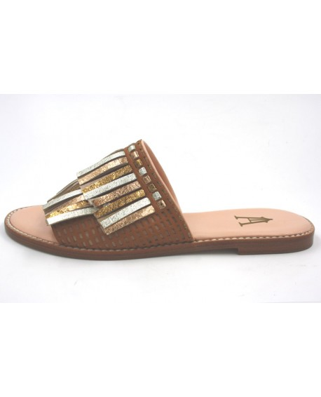 Chaussures mules Craie modele Bergere cuir dore camel