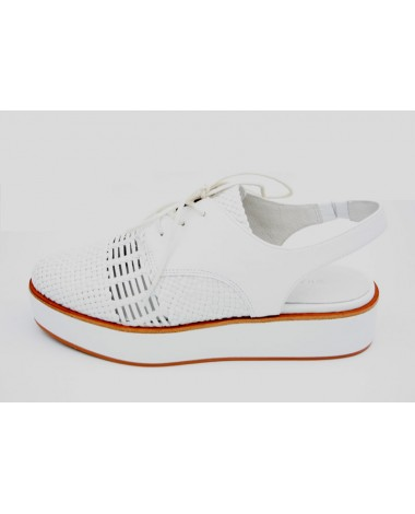 Chaussures derby cuir blanc tressé marque WHAT FOR modele WF575